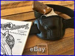El Paso Saddlery Black Leather Border Stamped Lined Holster for S&W J Frame 2