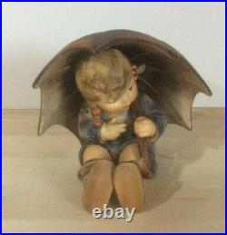 M. I. Hummel. The Girl with Umbrella. Stamped 152/0 B 1957 Great Condition